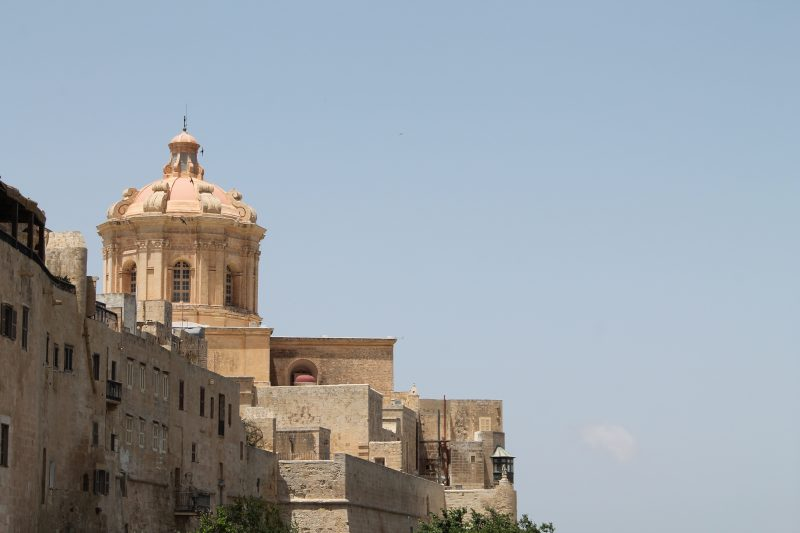 winter sun in europe - malta - picture of Mdina buildings