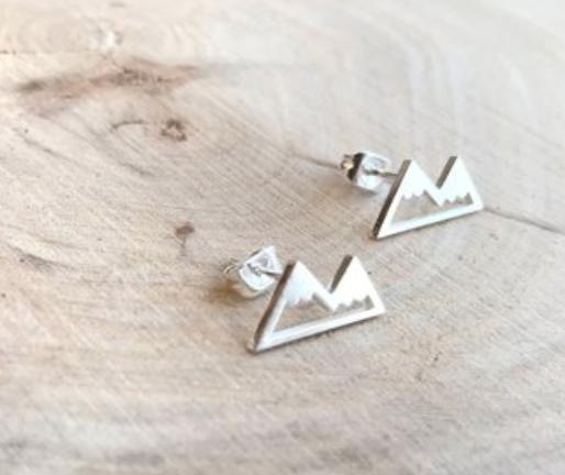 Mountain inspired earrings in silver