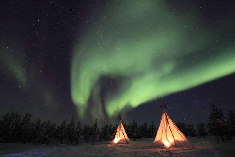 iceland camping northern lights