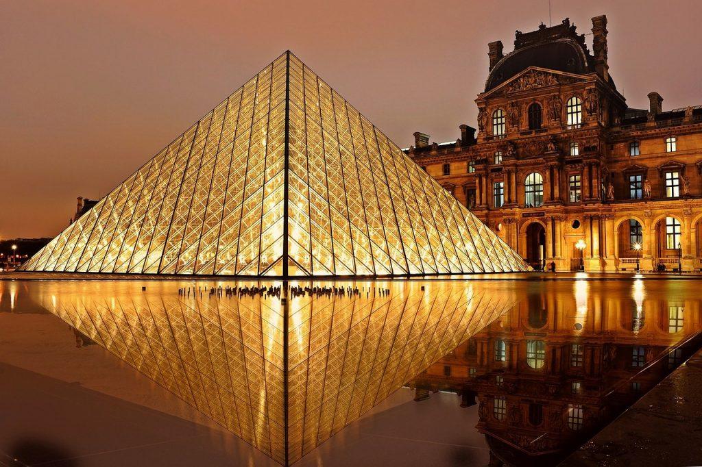 best city breaks for couples - paris - louvre museum sculpture