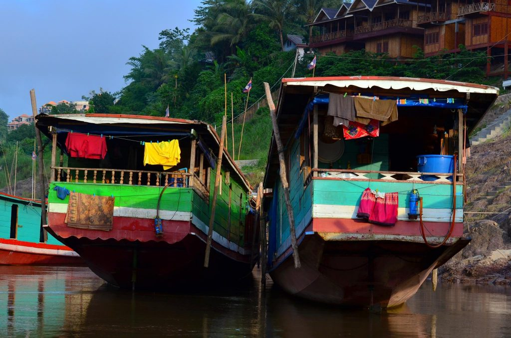 backpacking laos mekong slow boats