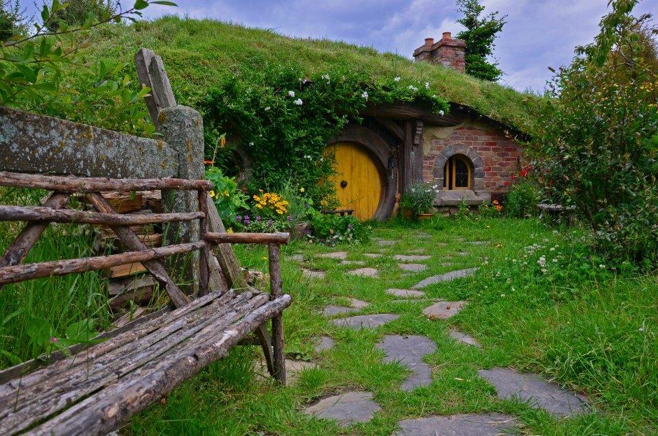 new zealand hobbiton tour on the north island itinerary