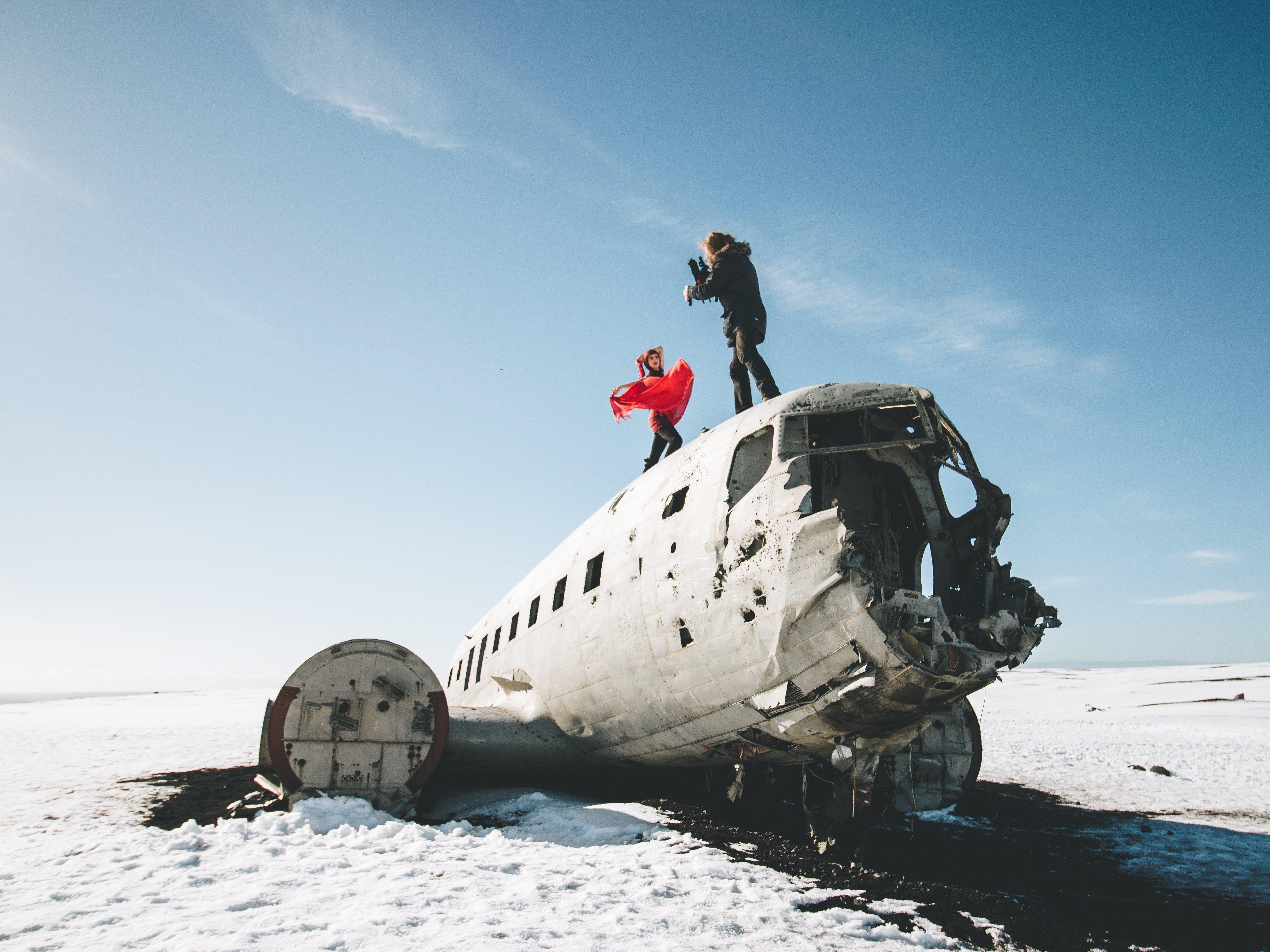 plane wreck featured in justin bieber music video
