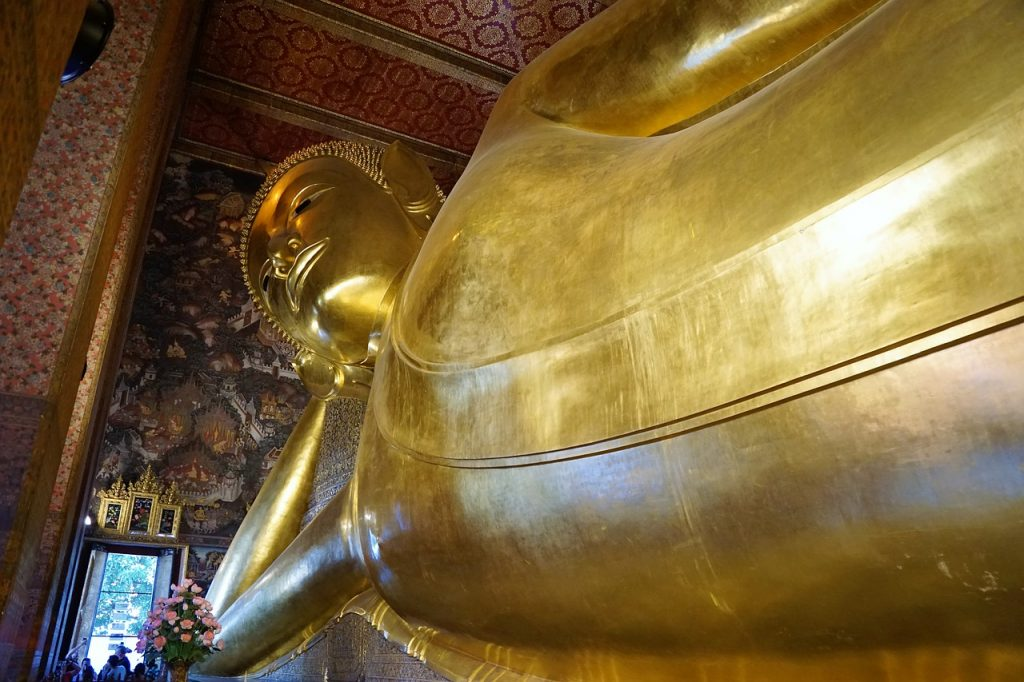 Reclining buddha at wat pho bangkok temple