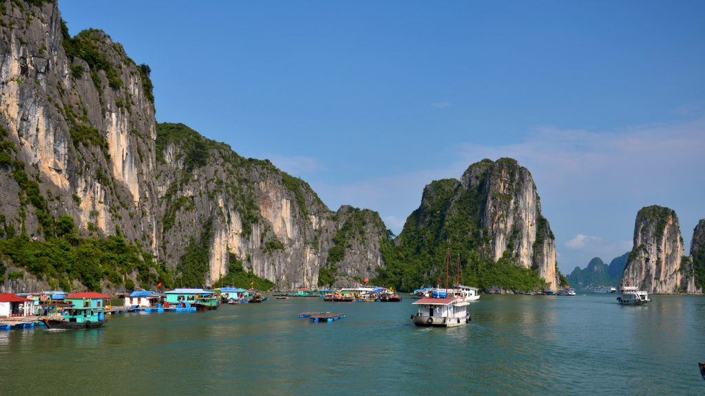 halong bay in the daytime