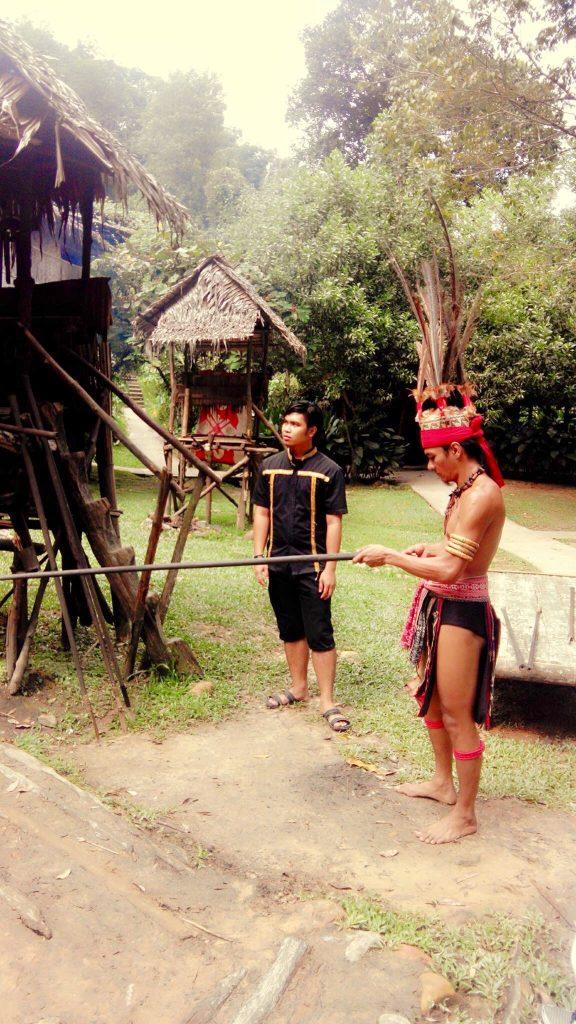headhunting tribe at Mari Mari cultural village