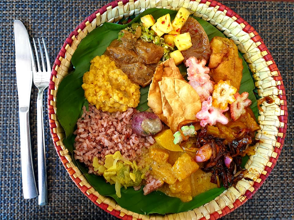 top things to do in mirissa - take a cooking class - picture of colourful sri lankan food