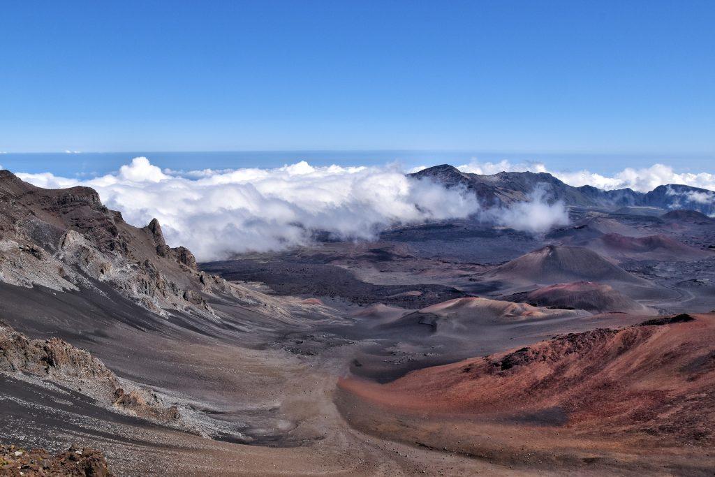 hawaii maui volcano crater