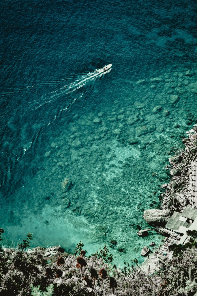 sailing on the amalfi coast